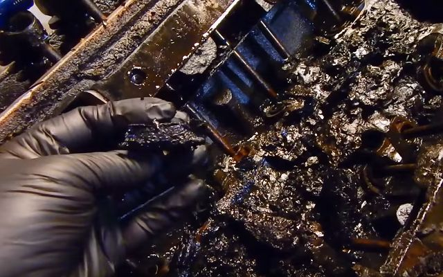 Engine oil sludge problem Lansing MI