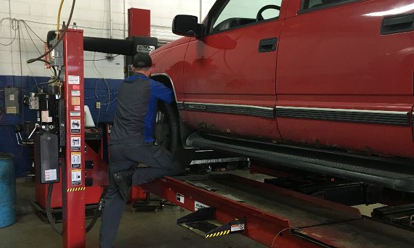 Truck wheel alignment Lansing MI